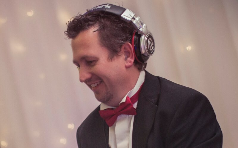 DJ Neil Johnson - Sphere Entertainments DJ & Owner